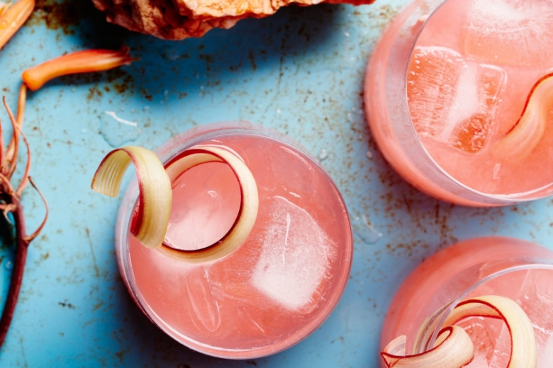 rhubarb-fennel-gin-cocktail-940x560